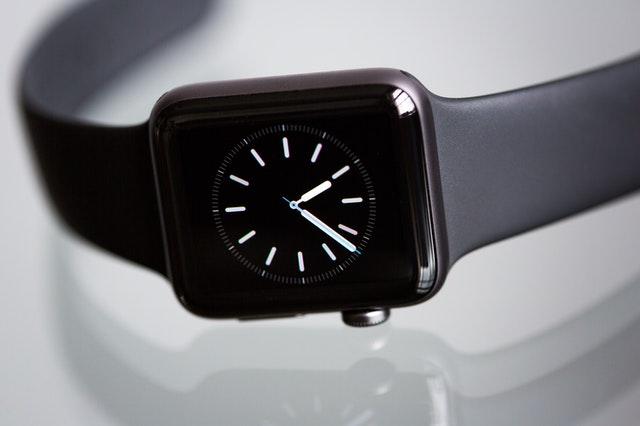 zegarek na prezent, zegarek dla nastolatka, zegarek dla nastolatki, zegarek młodzieżowy, modny zegarek, smartwatch dla nastolatka, zegarek sportowy dla nastolatka,