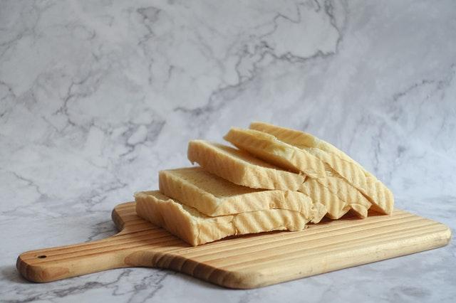 wypiekacz do chleba, maszyna do chleba, chleb z maszyny, jaki wypiekacz wybrać, funkcje wypiekacza do chleba, dobry wypiekacz do chleba,
