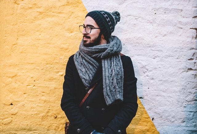 szalik męski, jak wybrać męski szalik, jak dobrać szalik męski, szalik dla mężczyzny, szalik dla chłopaka, wełniany męski szalik, jedwabny męski szalik,