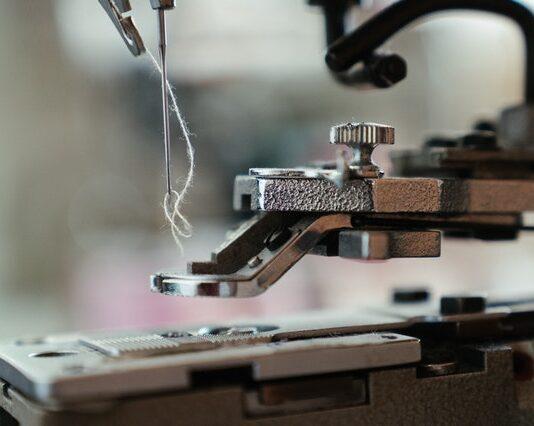 maszyna do szycia, maszyna do szycia na prezent, maszyna do szycia dla początkujących, mechaniczna maszyna do szycia, dobra maszyna do szycia, jaka maszyna do szycia, jaką kupić maszynę do szycia,