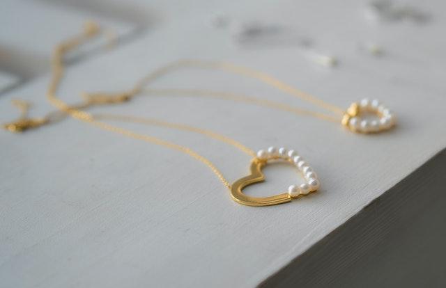 biżuteria na prezent, biżuteria na święta, biżuteria na upominek świateczny, prezent dla mamy na święta, prezent dla koleżanki na święta, prezent dla babci na święta, prezent dla żony na święta, prezent dla dziewczyny na święta, prezent dla córki na święta