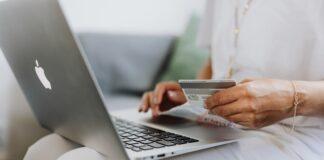 ubrania przez internet, jak kupować ubrania w internecie, kupowanie ubrań przez internet, zakupy w internecie, sklepy internetowe, jak robić zakupy w internecie