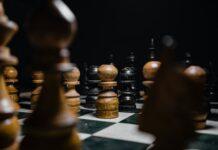 szachy, gra w szachy, szachownica, jaką kupić szachownicę, szachownica na prezent