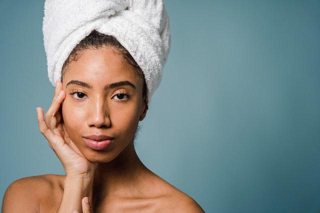 żel do mycia twarzy, żel do twarzy, skład żelu do twarzy, jak wybrać żel do twarzy, dobry żel do twarzy, kosmetyki do twarzy